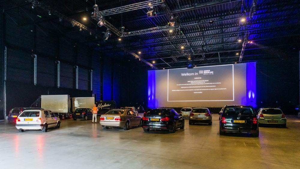 Auto's in drive-in bioscoop